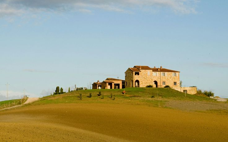 Luxury quiet holiday home with pool in Tuscany near Siena