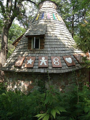 Kildonan Park - flower gardens, beautiful driving loop, playgrounds, and The Witch's Hut! (free)