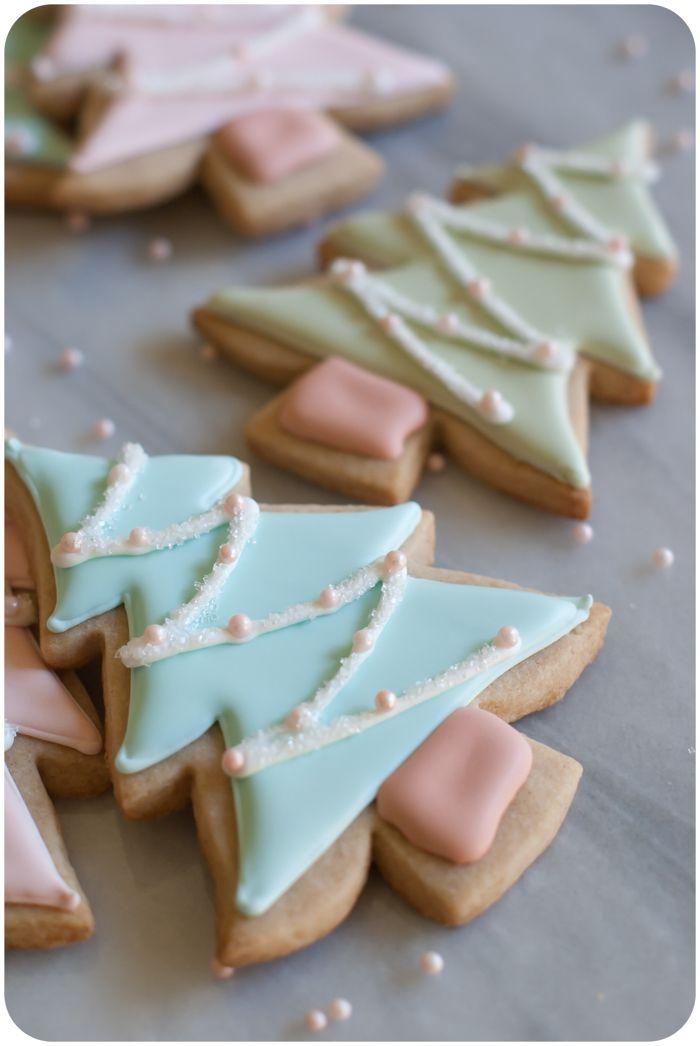 so so cute!! cinnamon-sugar cut-out cookie recipe + pastel christmas tree cookies tutorial from @bakeat350