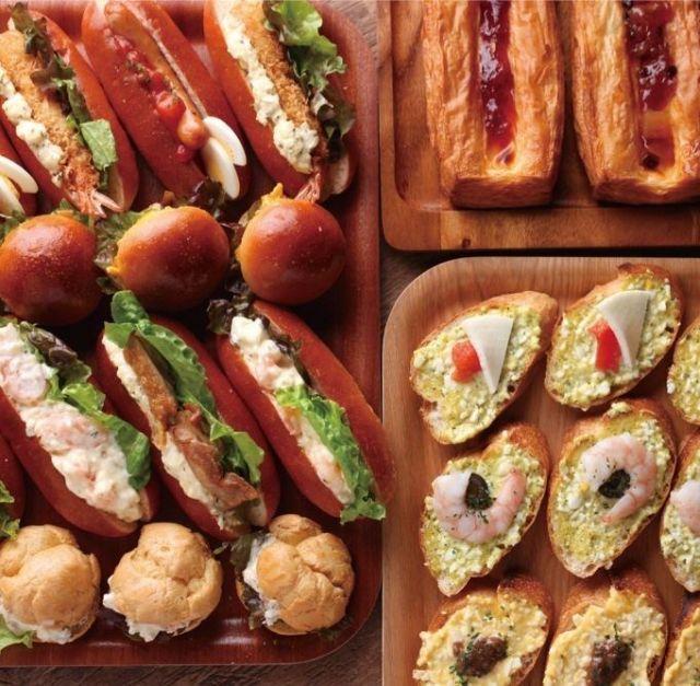 新宿「カフェランブータン」のランチは約30種類のパンが食べ放題♪ - macaroni