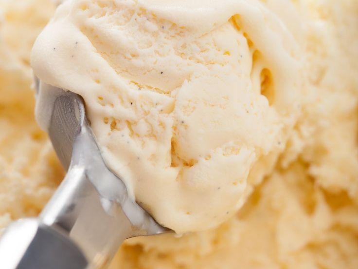 sucre fin, lait entier, crême fraîche, extrait de vanille, sel