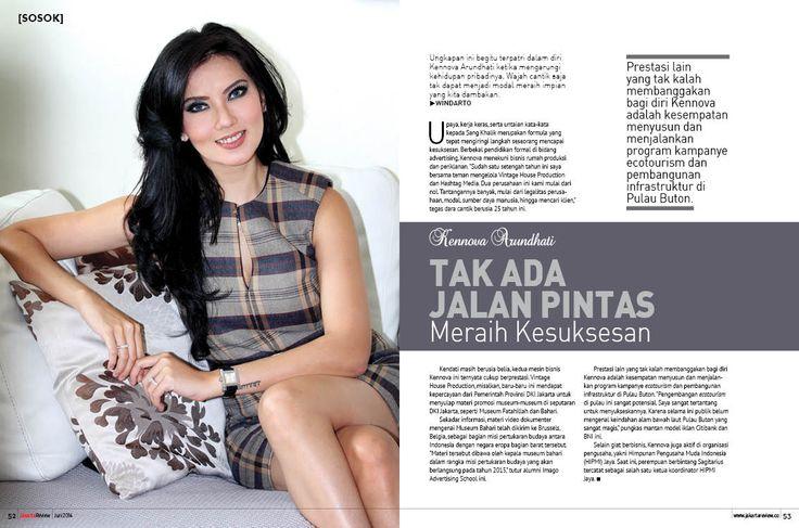 Majalah Jakarta Review, halaman 52-53