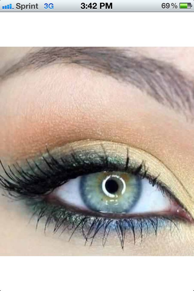 Eye shadow for hazel or blue/green eyes. Subtle Seahawks/Sounders colors :)