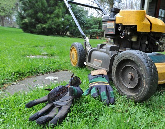 Organic Lawn Care with Paul Tukey ~ crabgrass control, reducing compaction, and more from awaytogarden.com