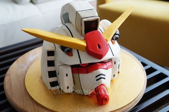 Gundam cake