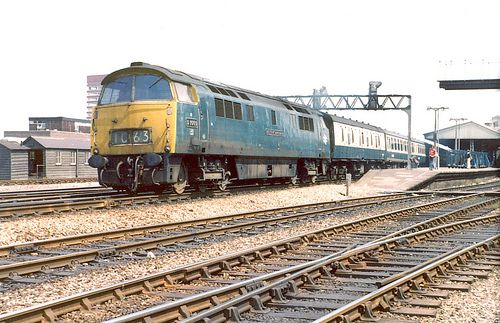 D1069*   D1069 gets away from Reading with the 1315 Paddingt…   Flickr