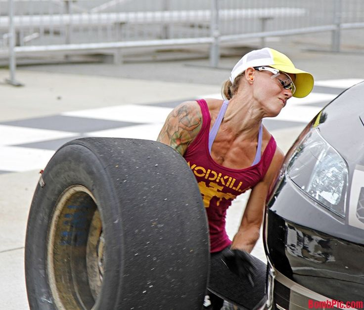 NASCAR Pit Crew Girl | Christmas Abbot – First female Nascar pit crew member | BombPic.com