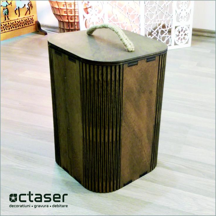 Cosul de gunoi realizat de Octaser ofera o nota eleganta biroului dumneavoastra.