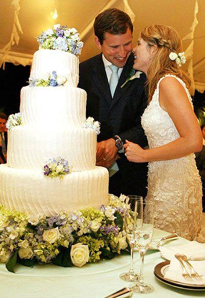 Jenna Bush Hager, beautiful cake and dress