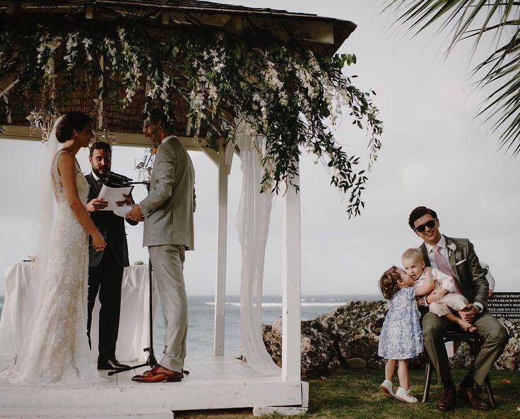 "796 gilla-markeringar, 16 kommentarer - kristen marie photography (@kristenmarieparker) på Instagram: ""Getting that kiss in before the bride and groom could. I see you."""