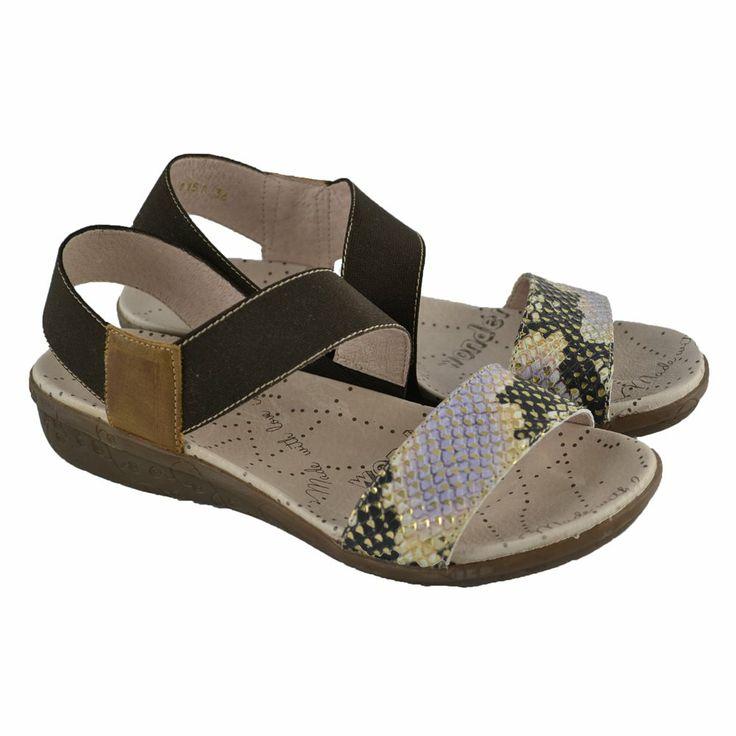 #Sandalias de piel con plantillas anatómicas y tira delantera en lamé serpiente y pulsera elástica en la talonera de la marca WONDERS.