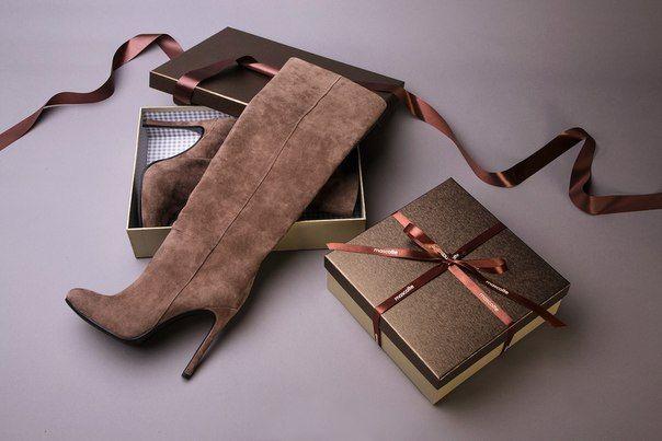 Классические сапоги на шпильке оттенка какао с молоком из новой коллекции Mascotte станут вашими верными спутниками на праздничных мероприятиях или деловых встречах.  Они идеально подчеркнут стройность ваших ног и заставят мужские сердца биться чаще ;)  Купить сапоги можно тут >> https://shop.mascotte.ru/obuv_id207102    #mascotteshoes #mascotte_shoes #mascotte  #mascottestyle #autumn