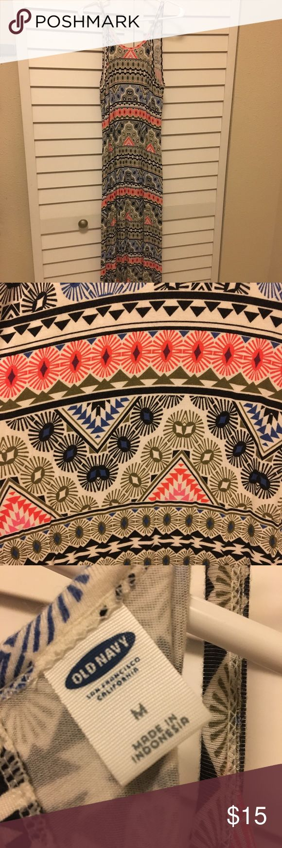 Old Navy Aztec Maxi Dress Gently used Old Navy Dresses Maxi