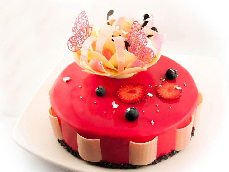 3192 best pastry art images on pinterest petit fours for Glacage miroir noir