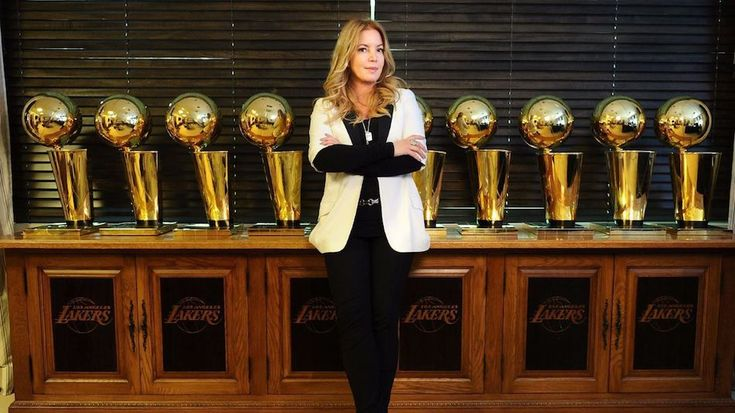 Currently, Jeanie Buss is the controlling owner and president of the Los Angeles Lakers.  Magic Johnson reports to her after she fired her brother Jim last year. #WomensHistoryMonth