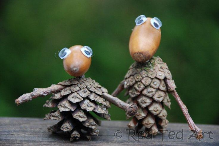 Kids crafts pine cone people paper crafts acorn for Acorn necklace craft