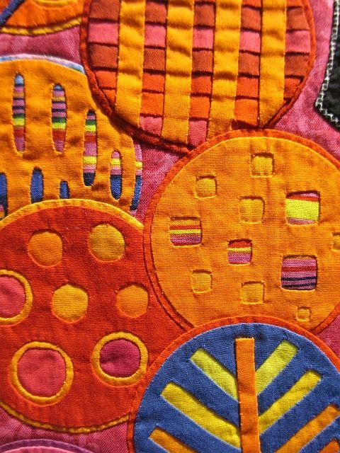 On peut venir du même pays, le Japon, et explorer le textile de façon bien différente... ...                                                                                                                                                                                 Plus