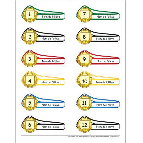 Document Word (.doc) Versions en couleurs et en noir et blanc 12 médailles, 1 page  Voici un document Word qui vous permet d'écrire les noms de vos élèves sur les rubans des médailles et de les numéroter. Vous pouvez toujours changer les numéros par un nom de pays ou autre. Ce document peut également être pratique pour former des équipes.