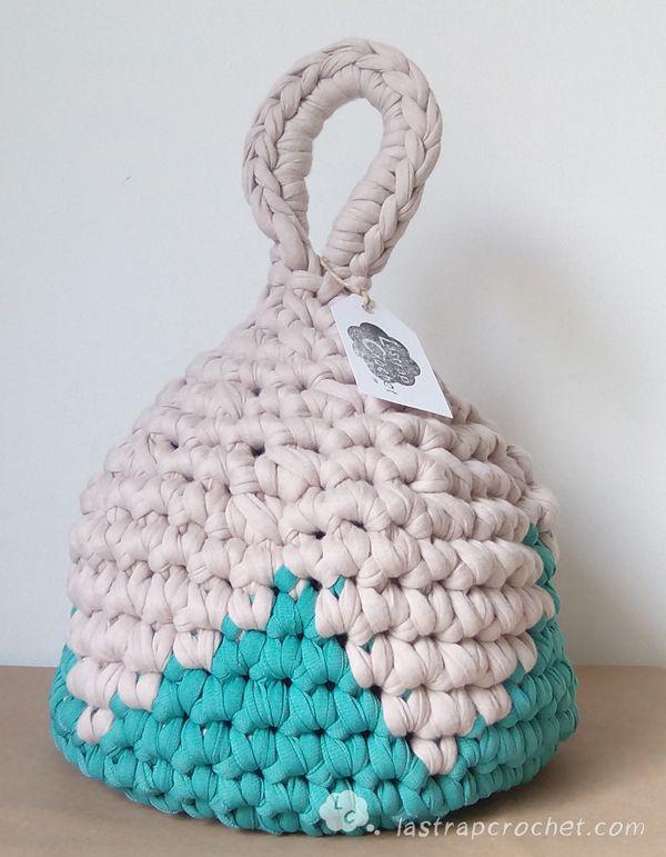 Tutorial para hacer un aguanta puertas by http://www.lastrapcrochet.com/sujeta-puertas-o-aguanta-puertas-de-trapillo-en-tapestry-crochet/