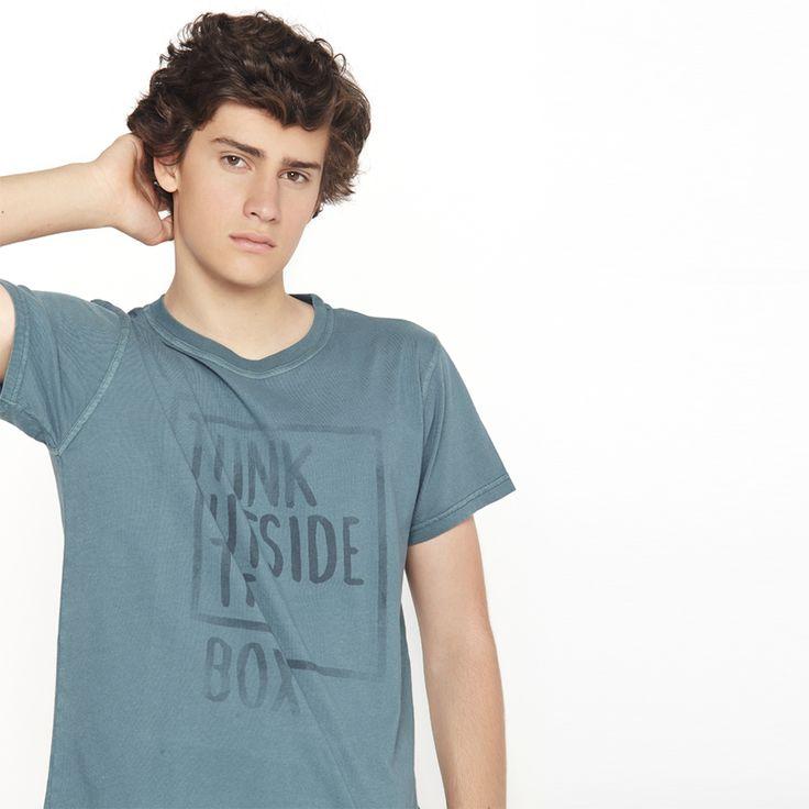On adore le T-Shirt solidaire pour une après-midi à la plage ou une soirée ensoleillée !