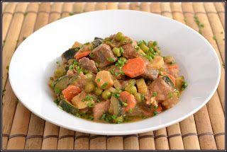 ŐRÜLTEN  JÓ ÉTELEK : Hús és zöldség azaz Egy fazék szeretet