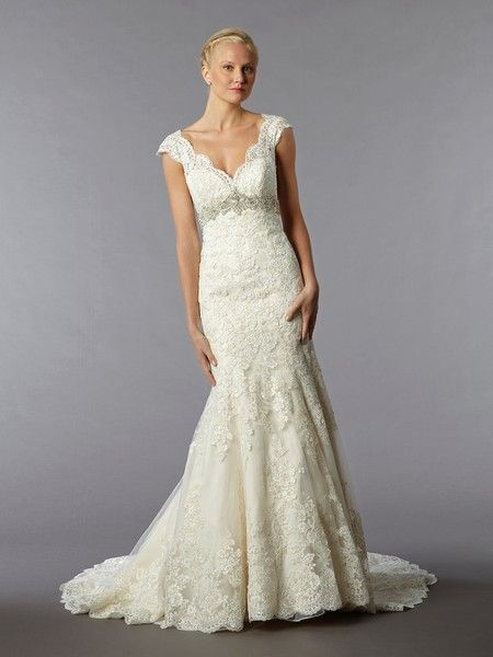 Elegant Alita Graham for Kleinfeld