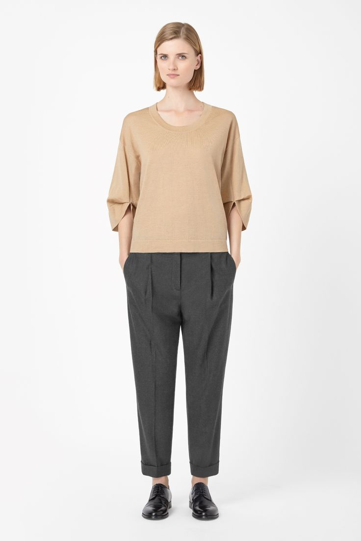 rounded sleeve knitwear