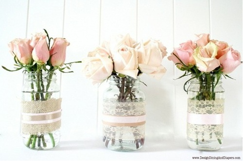 @Brittany Moody Schwonke we should do this on our window frame or on the mantel. =D Super cute!