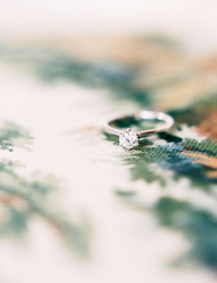 made by mary countryside DIY wedding in Sweden. engagement ring. Diamond ring.