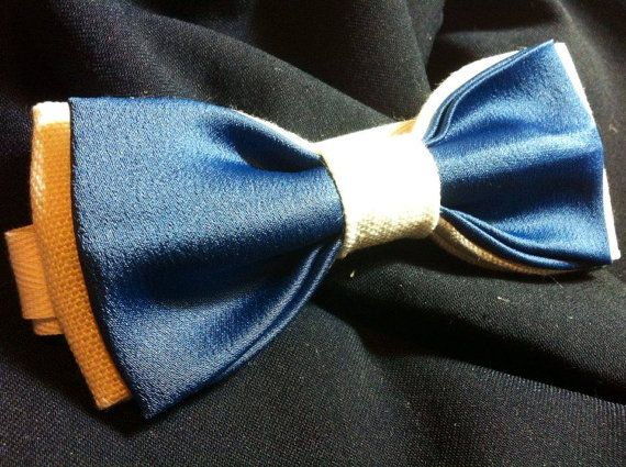 PAPILLON in Lino Bianco e Raso Blu  Bow Tie Men di Idillyum