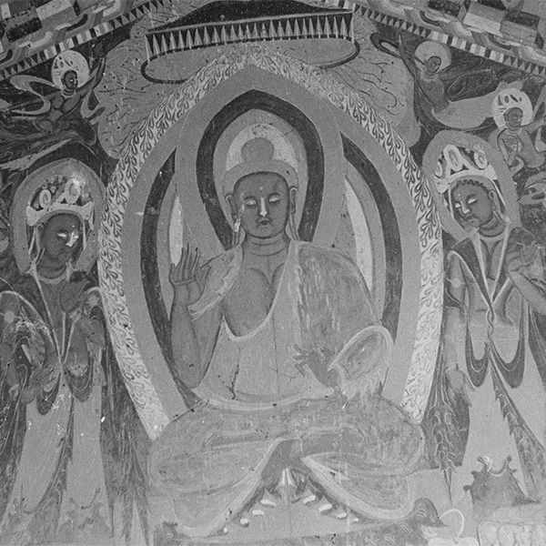 Photograph of Śākyamuni buddha between two bodhisattvas in Dunhuang Mogao Cave 251 taken by Irene Vincent in 1948. Photo 1231/1(26).