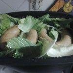Alheira Cozida em vapor couve: Para não entrar em receitas e pratos muito rotineiros, e repetitivos, hoje decidi apresentar-lhes a minha receita de alheira cozida ao vapor com ...