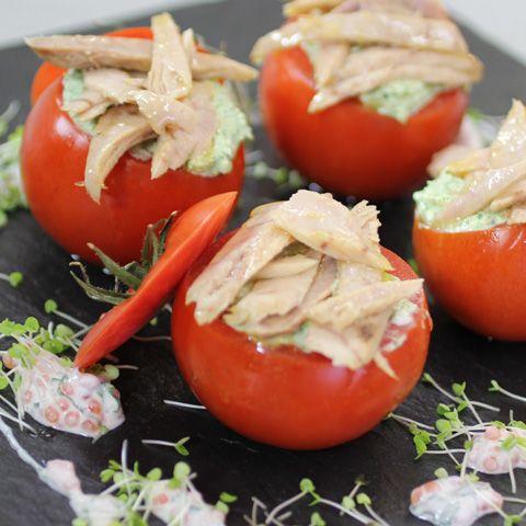 Tomates rellenos de Ventresca de Bonito del Norte Campos, una riquísima receta…
