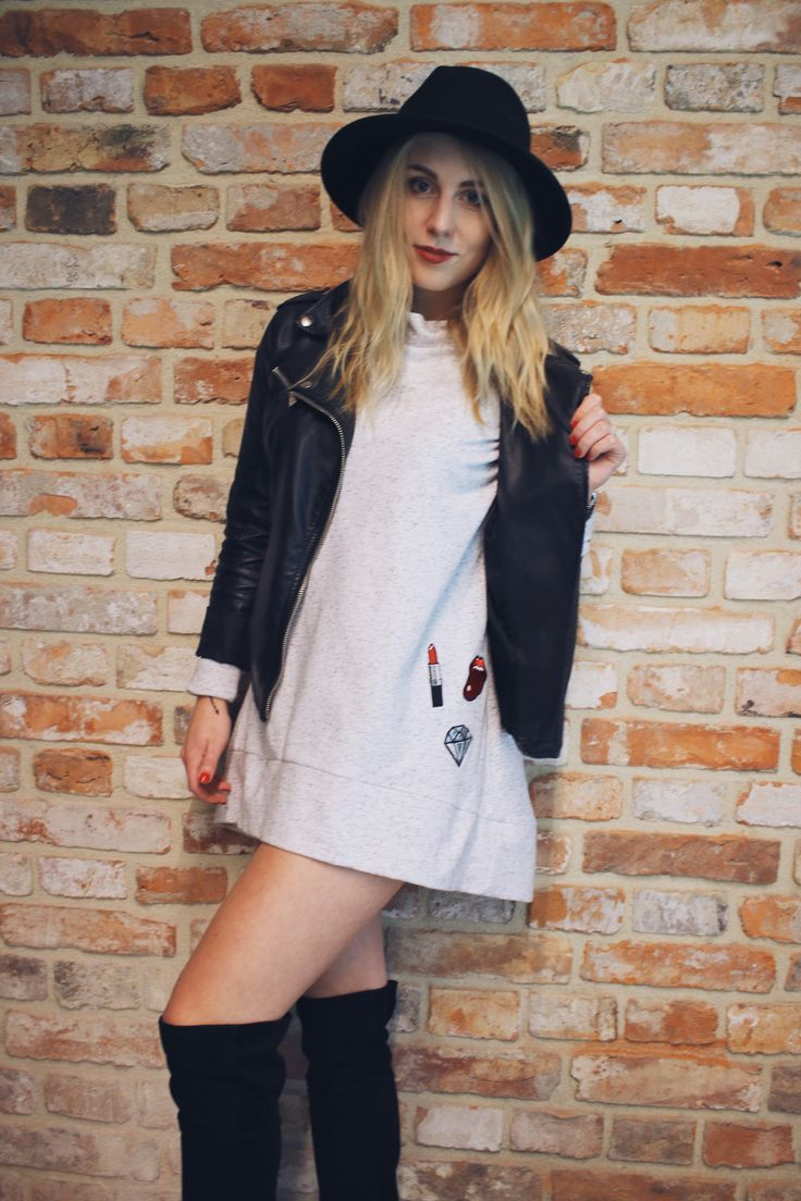Beautiful Krysia #girl #model #blonde #dress #bluse #beige #jacket #black #hat #socks #colorshake #warsaw