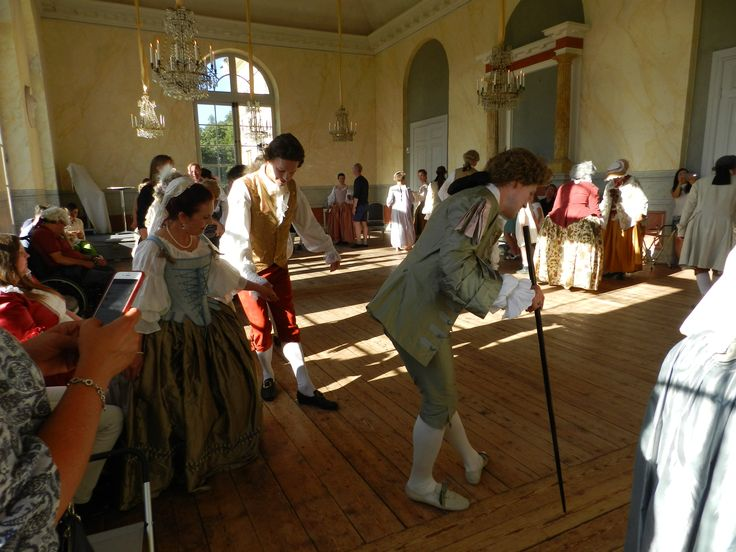 Potluck picnic in royal surroundings at Drottningholm, August 29th, 2015: Dancing at the Castle theater.