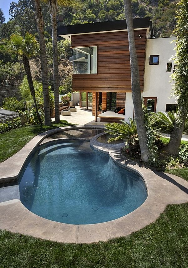 California garden pool ideas kidney shaped pool design steps spa area palm trees