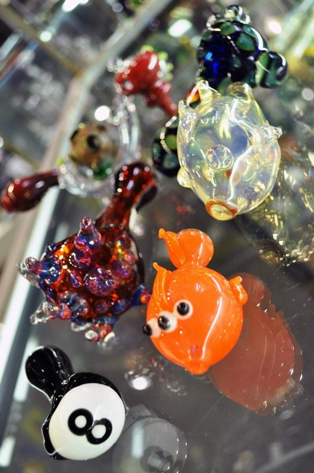 112 best glass pipes images on pinterest glass pipes for Glass fish pipe