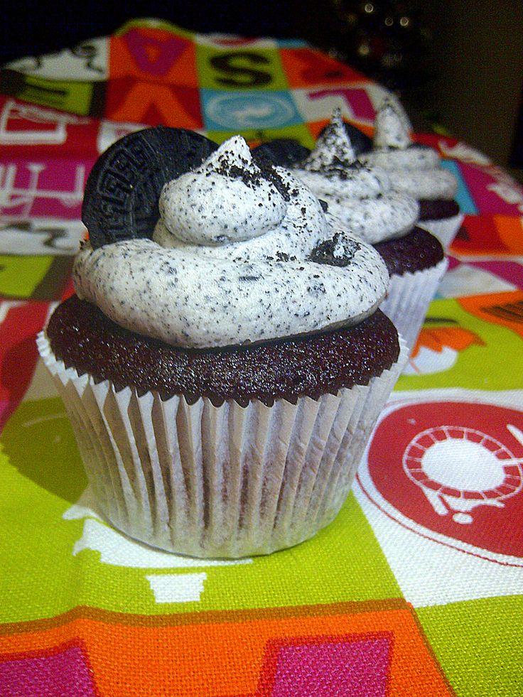 Red Velvet Oreo Cupcakes www.babycakesbakery.co.za