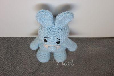 Picot - Szydełkowe Inspiracje: Niebieski królik