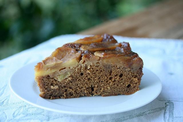 Gingerbread Apple Upside-Down Cake | Cakes | Pinterest