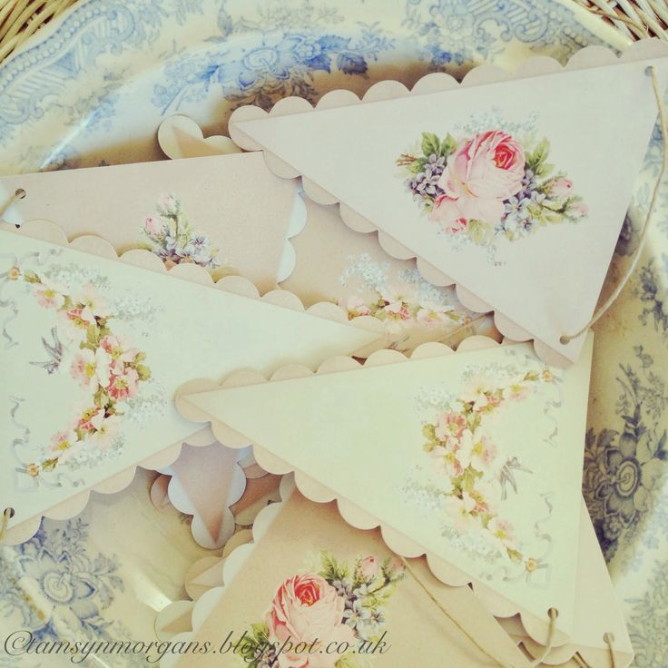 shabby chic bunting . I want this !
