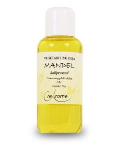 Mandelolja används oftast som en hudolja eftersom den har en förmåga att göra huden mjuk och jämn. Om du har känslig hy som lätt blir irriterad av vanliga hudprodukter kan mandelolja vara ett bra alternativ att testa.