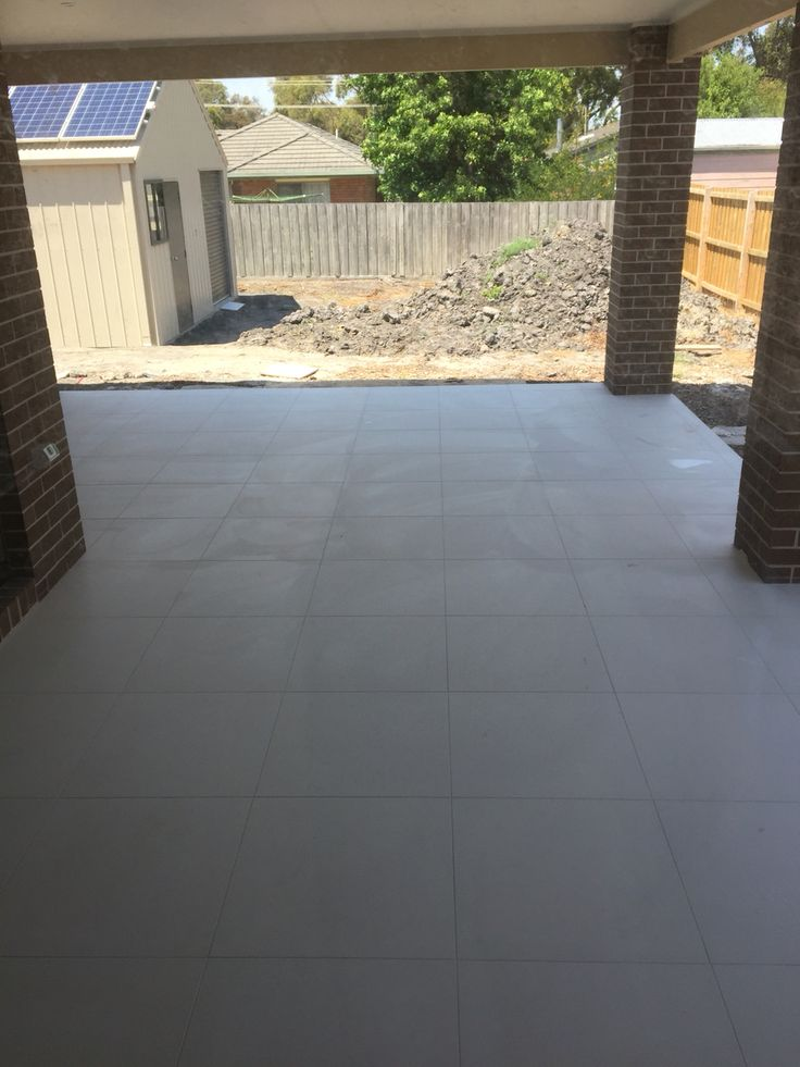 Back patio ruled in 600x600 alabaster porcelain.