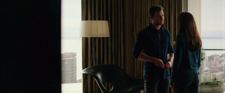 fifty-shades-darker-furniture-christian-greys-apartment-bedroom-film-still
