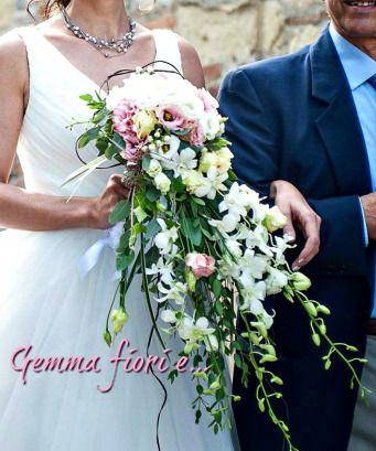 bouquet caduta matrimonio lisianthus rosa bianco, dendrobium bianco