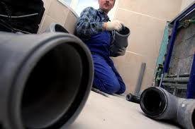 Nos techniciens sont capables de traiter toute urgence plombier Noiseau à tout moment de la journée 7j/7. La prestation commence généralement par une recherche panne pour trouver l'origine de la panne sanitaire. Notre plombier changement joint est en mesure de dépister les pannes en un temps record.