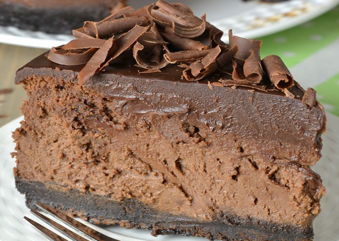 If you are a real chocoholic, love cheesecake and are an Oreo addict, then there is only one solution for you, the decadent Triple Chocolate Cheesecake with Oreo Crust. Chocolate cookie crust, choc…