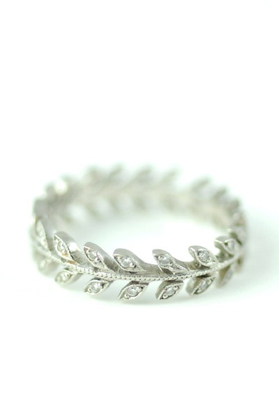 Cathy Waterman Platinum & Diamond Small Laurel Wheat Ring. Want as an anniversary present!