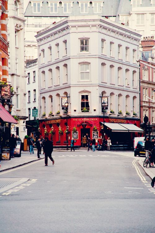 Discover movie locations in London http://www.movietrip.me/map