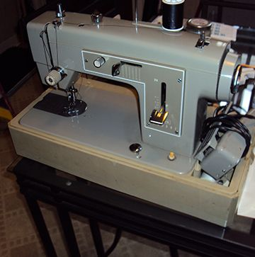 Sears Kenmore Sewing Machine Model 40 With Case In MandK's Cool Kenmore 28 Sewing Machine